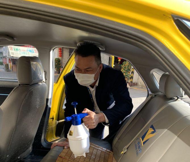 """【最美春运人】""""早到迟退""""车队长伍世冠: 抗击疫情,严厉措施,守护驾驶员安全"""